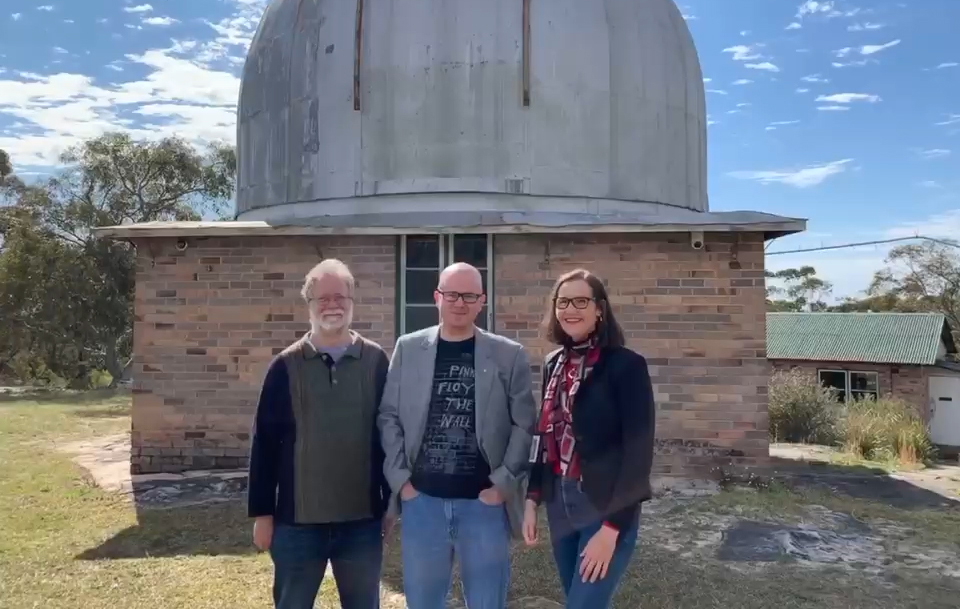 Ian Bridges, trustee of the Linden Observatory, Mayor Mark Greenhill and Cr Romola Hollywood.