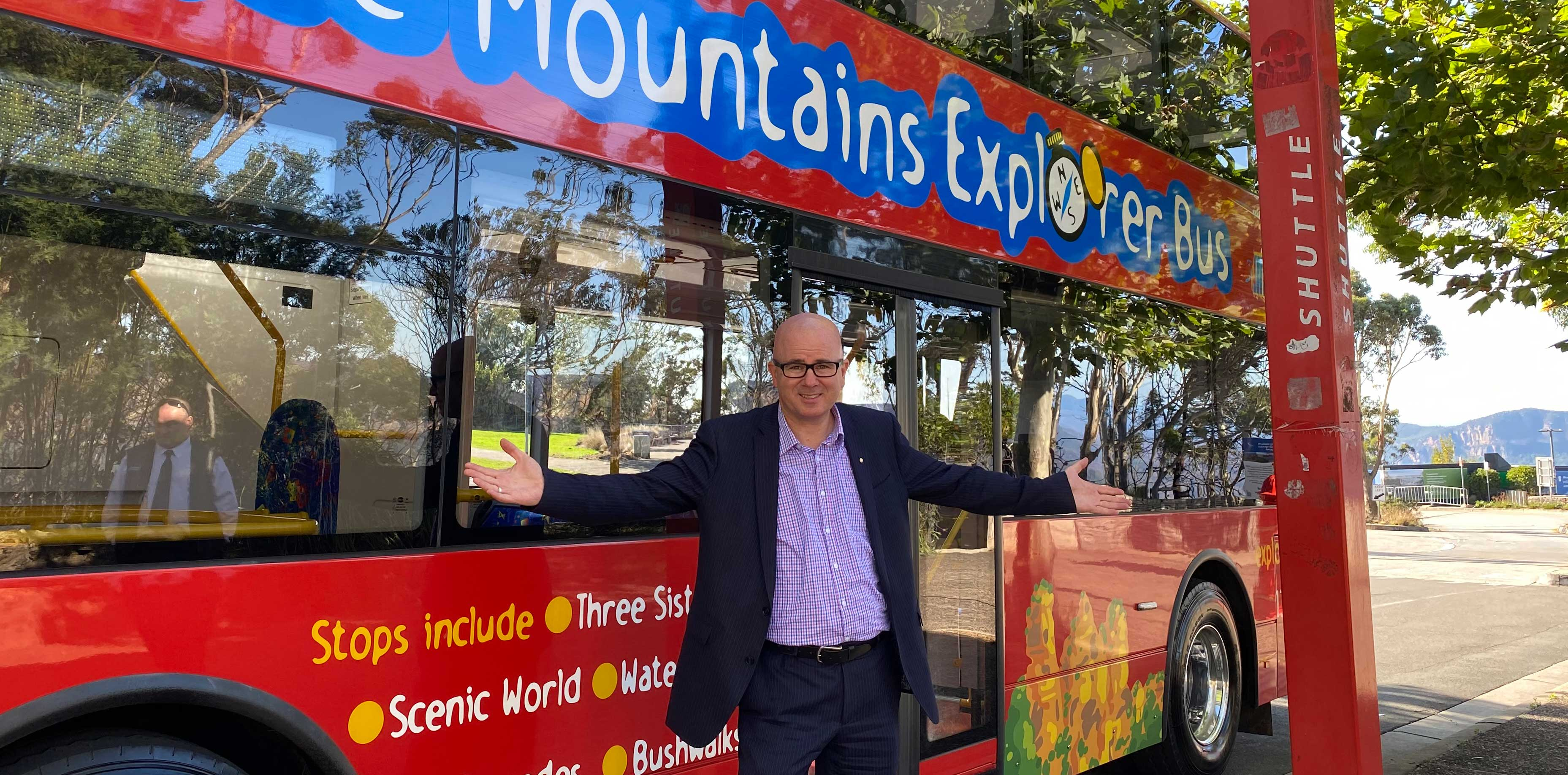 Mayor Greenhill on the Blue Mountains Explorer Bus